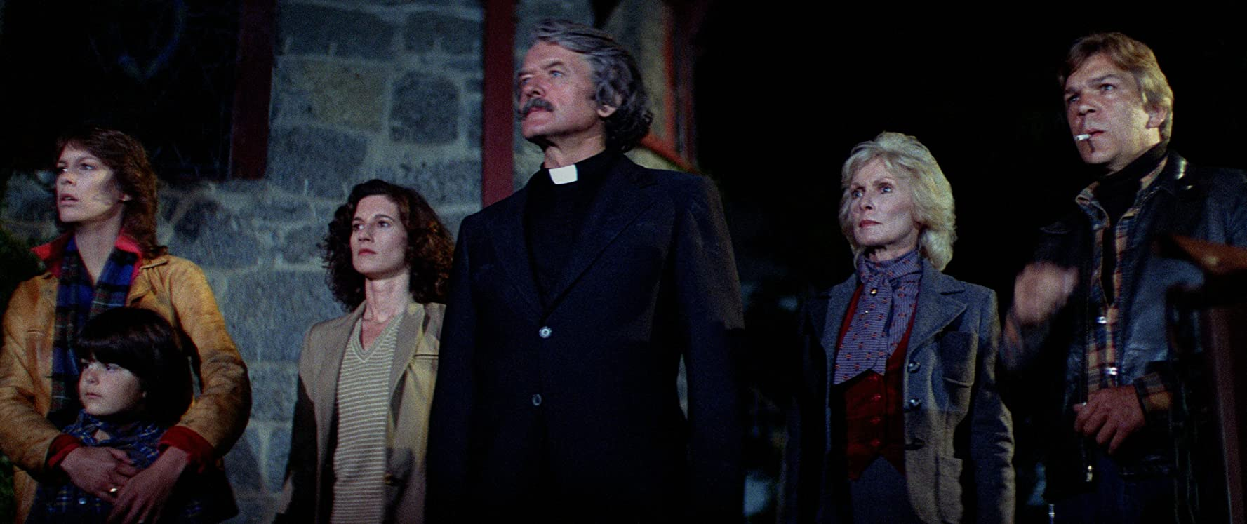 Hal Holbrook and the cast of John Carpenter's The Fog