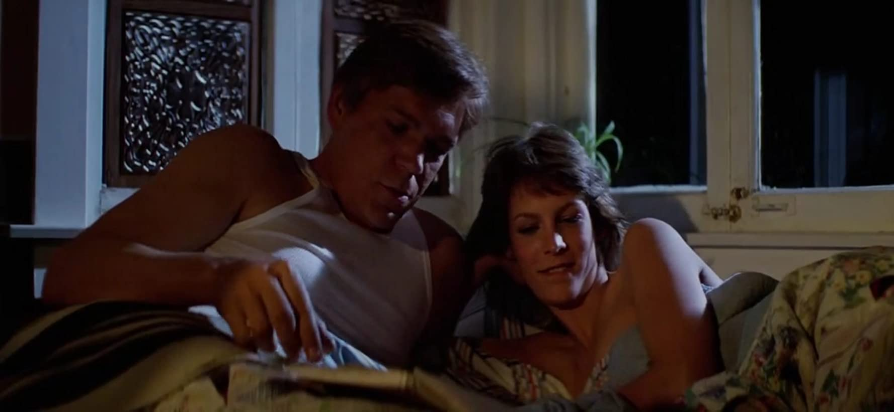 Tom Atkins and Jamie Lee Curtis in John Carpenter's The Fog.